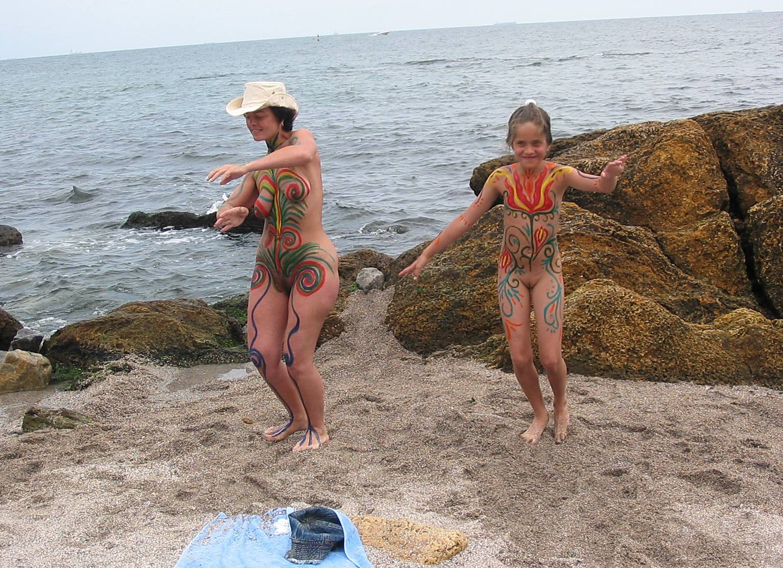 Nudist Pictures Black Sand Body Painting - 1