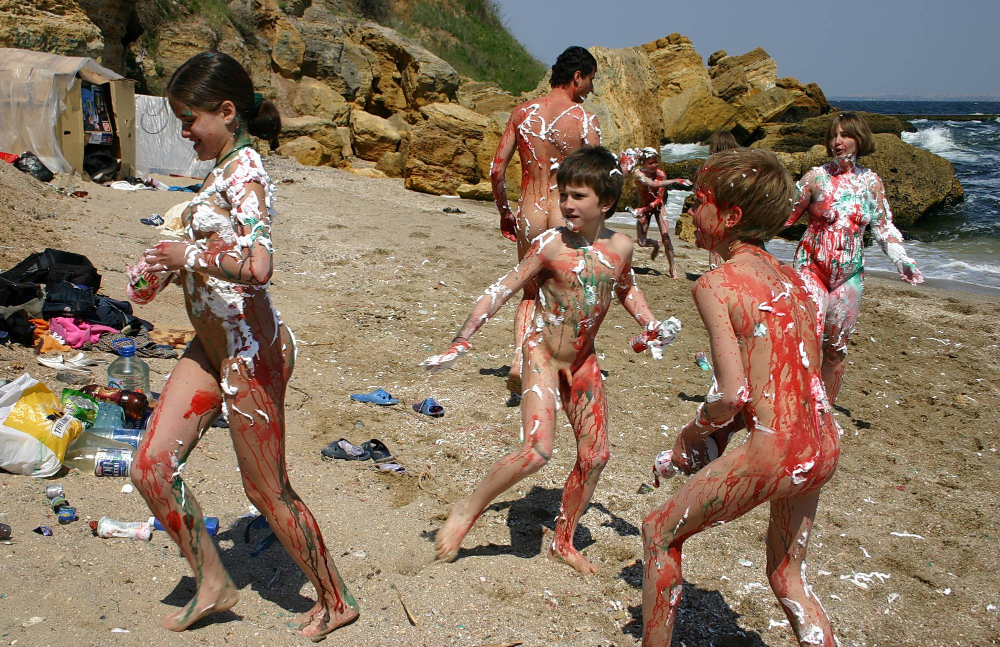 Nudist Pics Black Sand Body Painting - 2