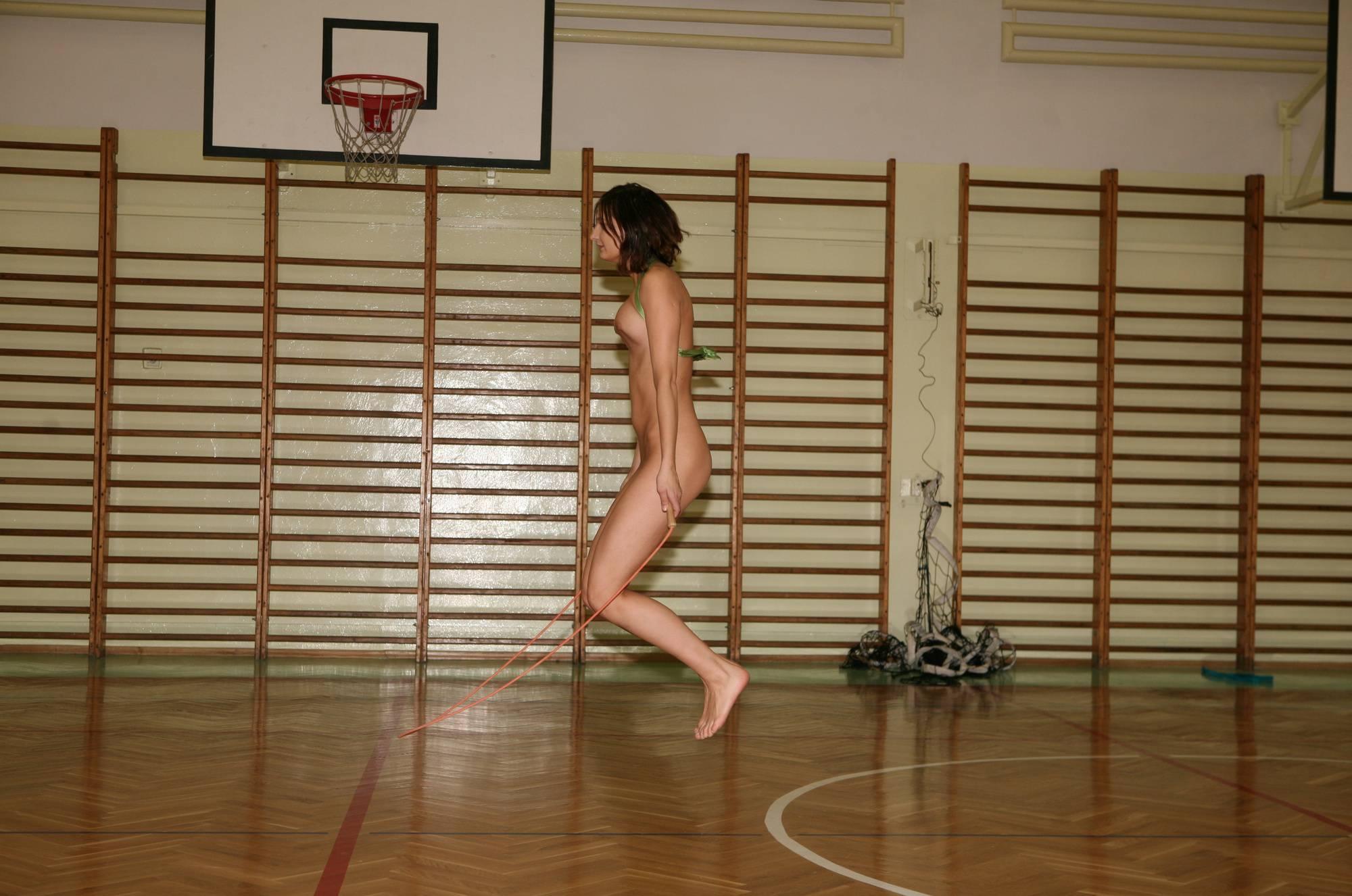 Gym Jumping Girl Groups - 1