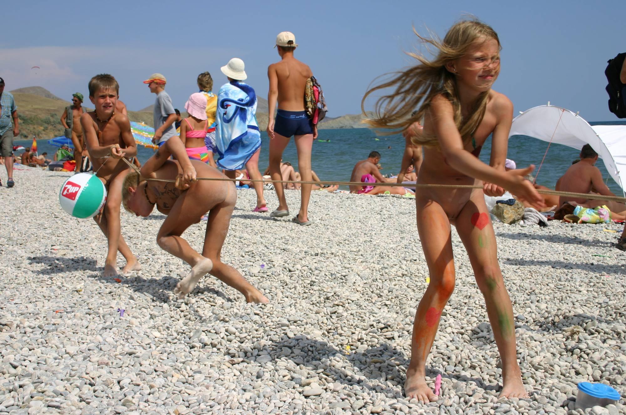 Nudist Gallery Naturist Kids Tug of War - 1