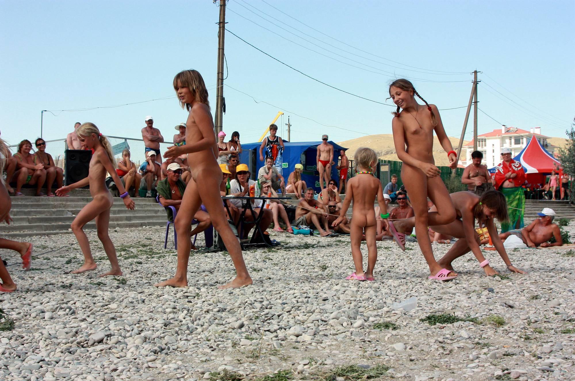 Nudist Gallery Nude Contestant Walk-Off - 2