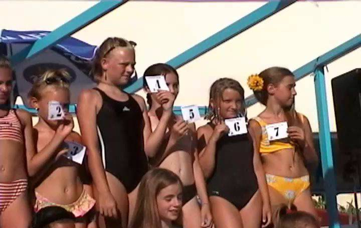 Sunat Natplus Junior Miss Pageant France 2 - 1