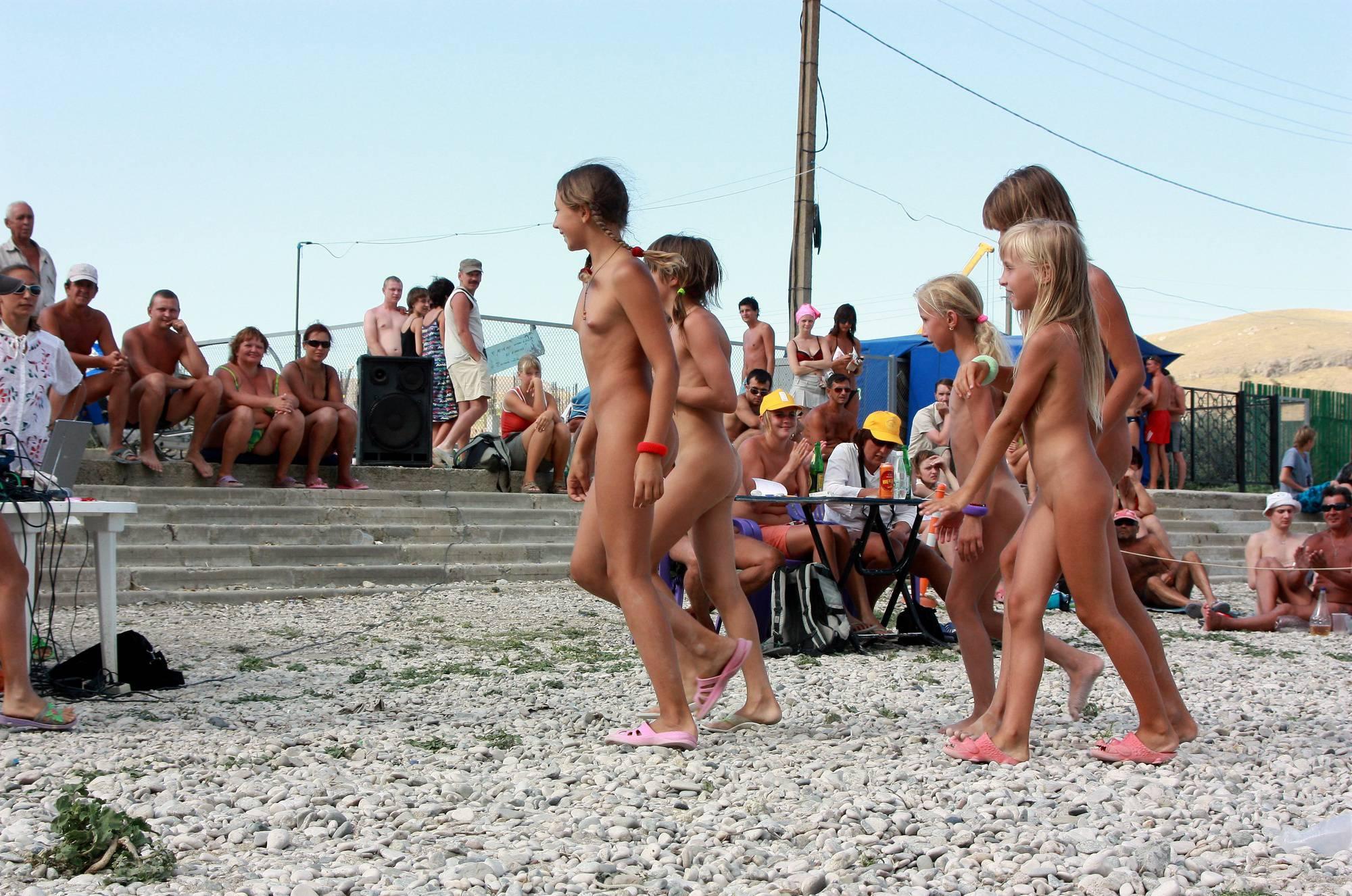 Nudist Photos Nude Contestant Walk-Off - 1