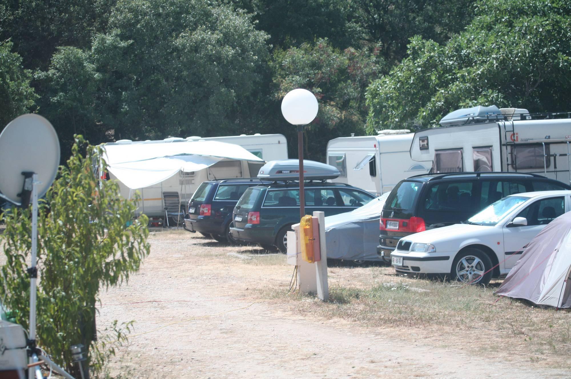 Nudist Photos Bares Camping Scenery - 1