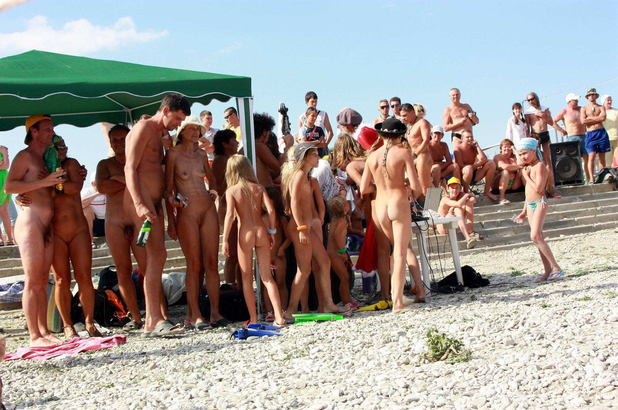 Nudist Pictures Kids Nudist Chase Game - 2