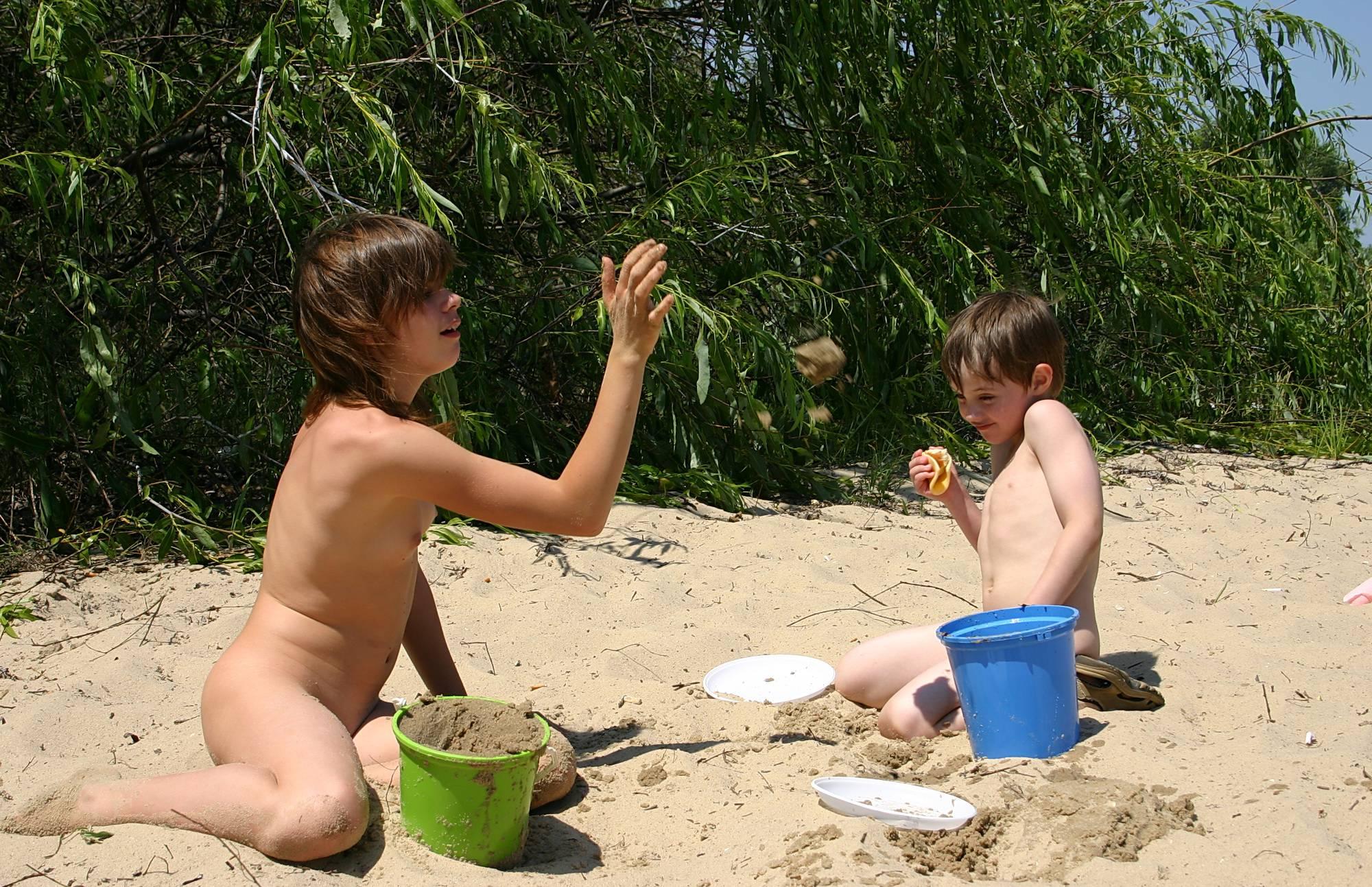Nudist Gallery Outdoor Beach Sand Box - 1