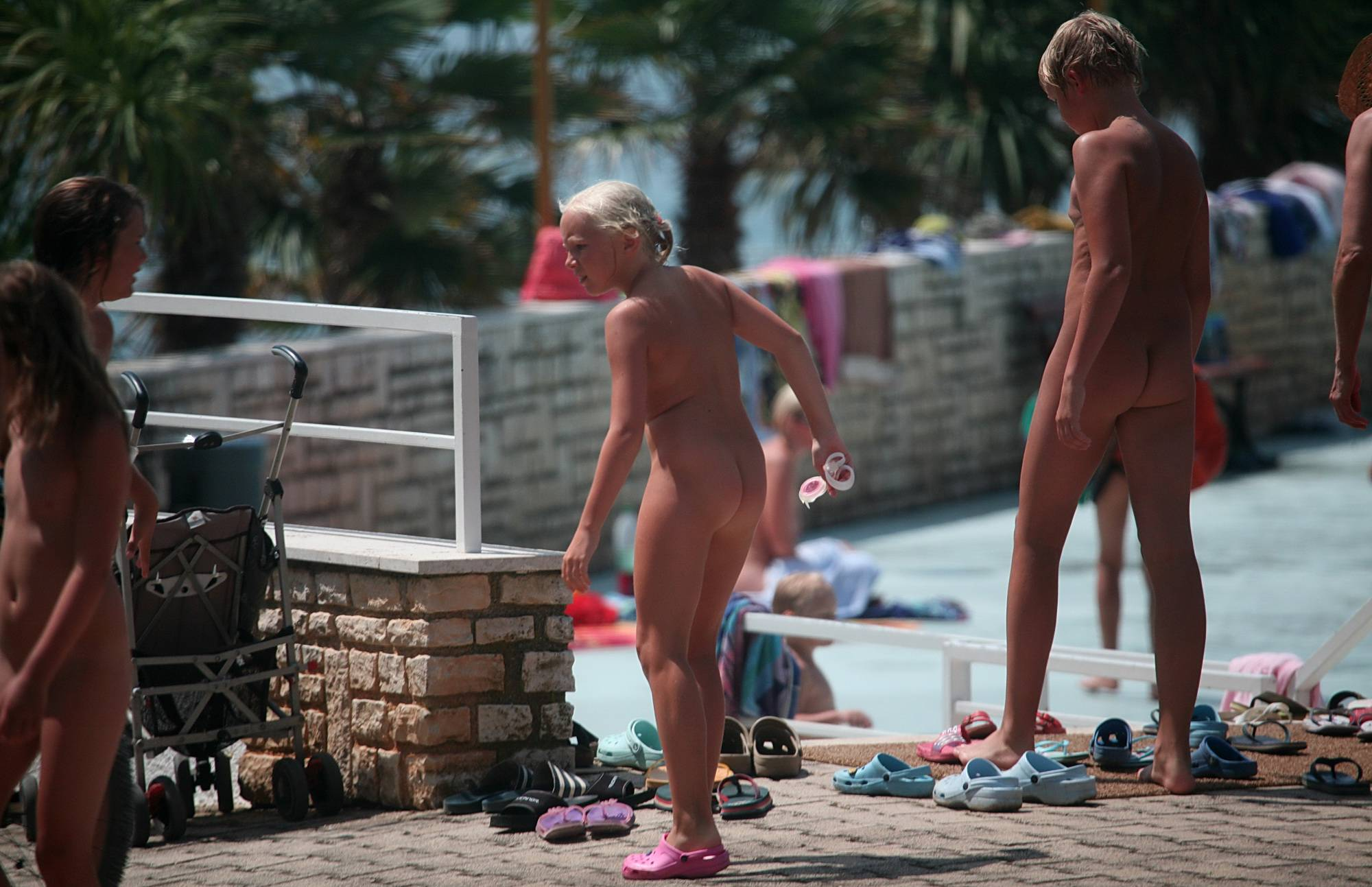 Nudist Pictures Swim Pool Passerbys - 2