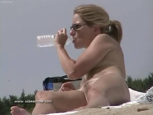 Nudist Movies U.S. Nude Beaches Vol. 17 - 1