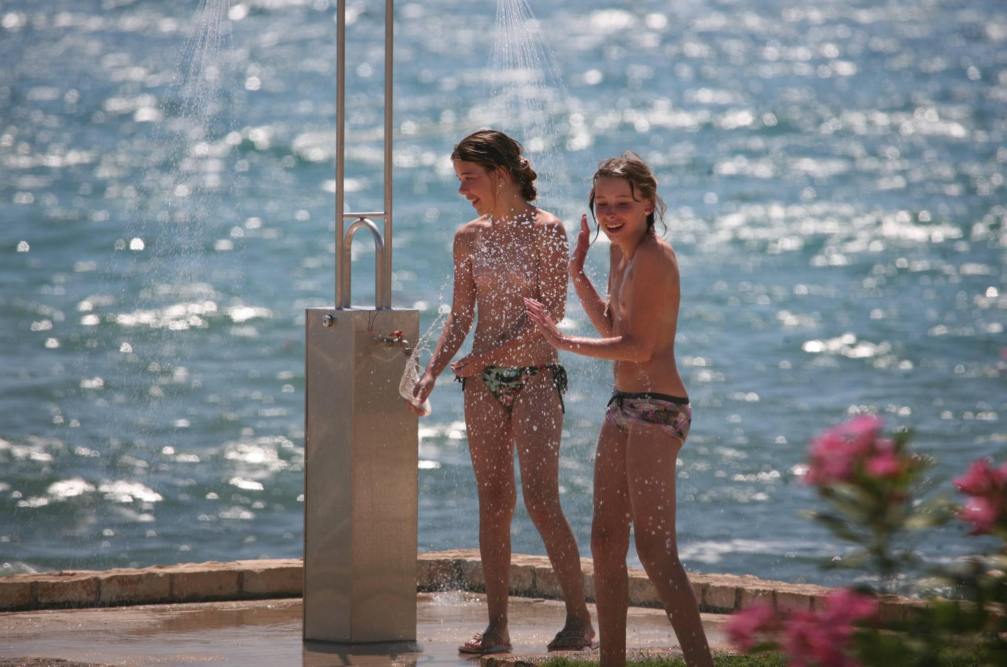 Sunnyside Beach Shower - 1